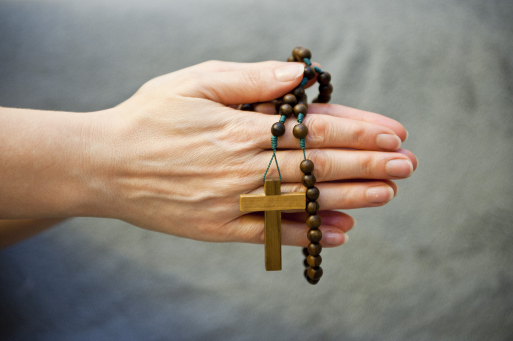 PRAYER Praying-hands-with-rosary-beads